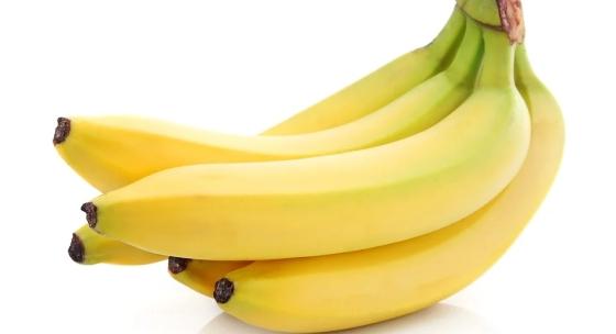 mnoho-ludi-veri-ze-banany-su-pri-chudnuti-zle-je-to-pravda