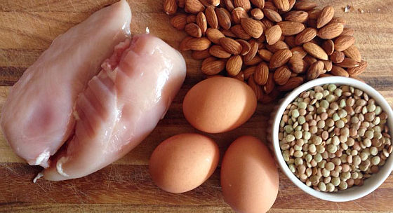 8 spôsobov, akými vplývajú bielkoviny na chudnutie