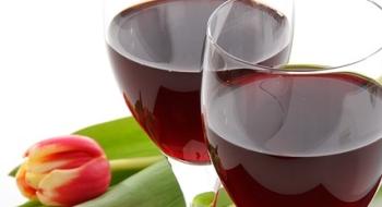 Liek z červeného vína by mohol pomôcť proti starnutiu
