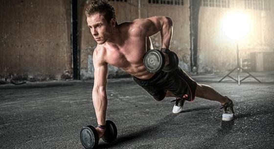 tento-30-minutovy-trening-s-jednoruckami-vas-vyrysuje-na-leto