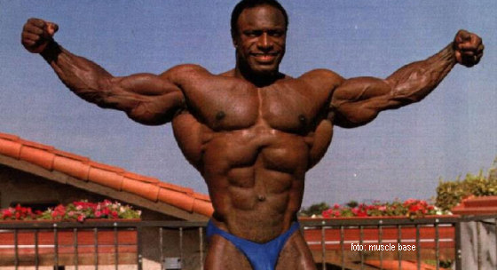 trening-legendy-ix-lee-haney-a-treningy-bicepsov
