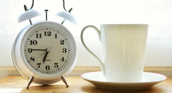 Čo urobiť, aby ste ľahšie zvládli zmenu času?