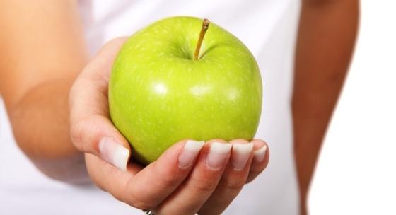 jablko-nedoceneny-prirodny-lekar