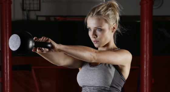Kettlebell a tréning celého tela pre chudnutie a spevnenie svalov