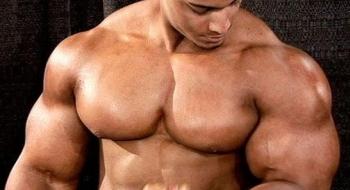 budovanie-svalov-za-kazdu-cenu-oplati-sa-priberat-aj-s-tukmi