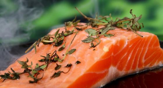 jedla-ktore-pomozu-zenam-znizit-svalovu-bolest