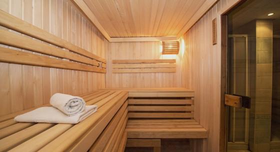 co-je-lepsie-pre-regeneraciu-sauna-alebo-ladovy-kupel