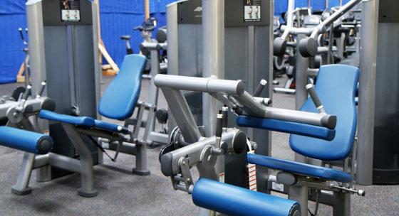 trening-na-strojoch-tri-dni-k-vacsim-svalom