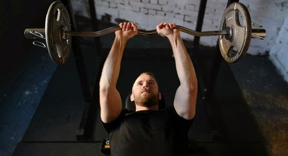 Chcete väčšie paže? Využite týchto 5 tipov pre tréning tricepsu