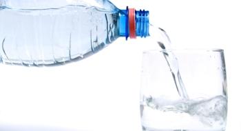Ako napomáha voda k chudnutiu?