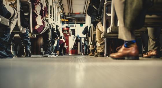 dochadzate-do-prace-verejnou-dopravou-tieto-tipy-vam-cestu-vylepsia